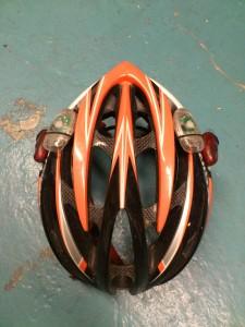 Lykter på hjelm gir ekstra god synlighet